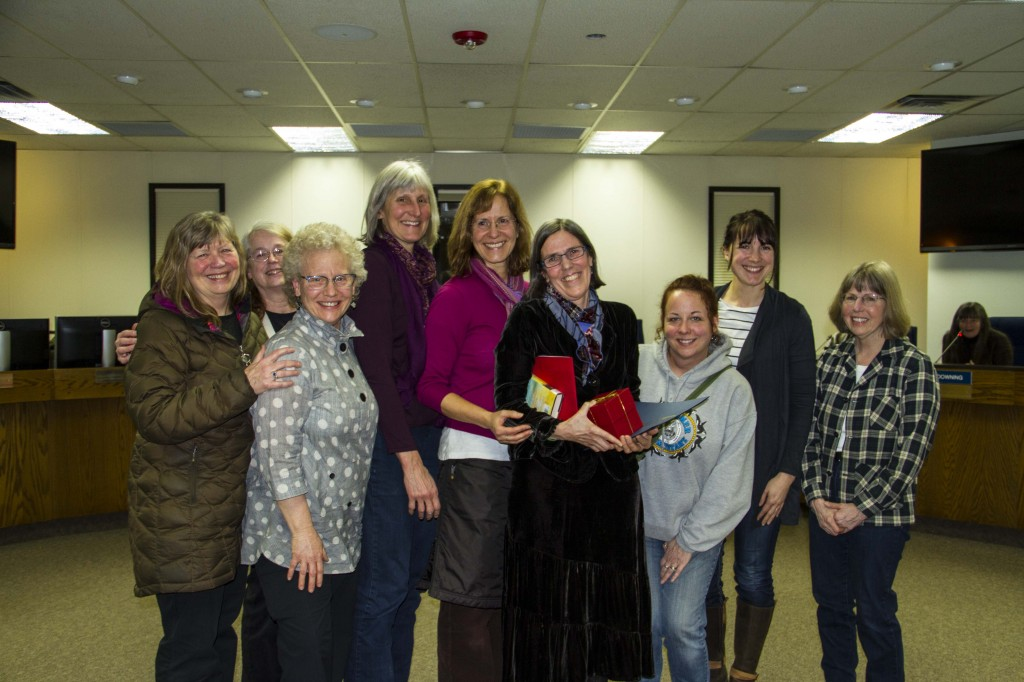 West Homer Elementary librarian Lisa Whip awarded Golden Apple by KPBSD Board of Education