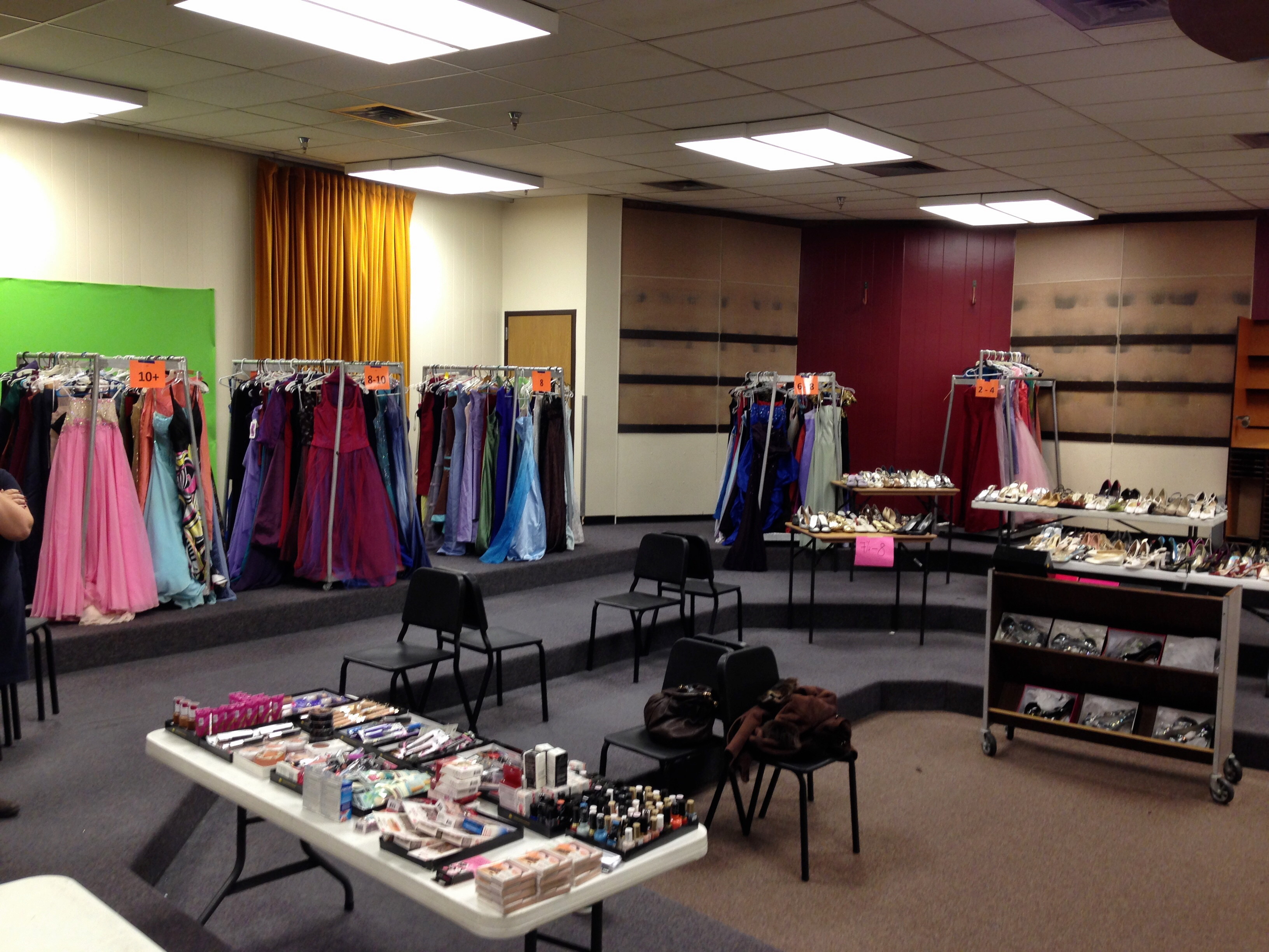 Cinderella S Closet Is Open For Prom Shopping Kpbsd